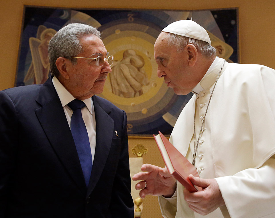 Raul Castro talks with Pope Francis