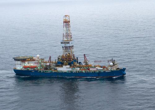 Noble Discoverer, Shell's Arctic drill rig: US Coast Guard via Flickr